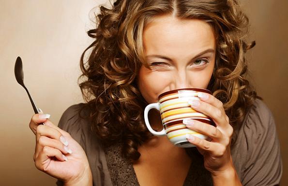 لاتنسي احتساء كوب من القهوه يوميا