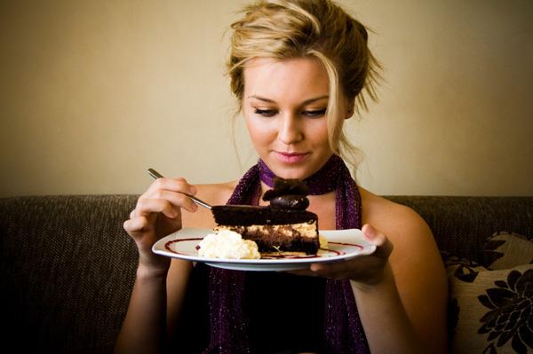 تناولي حلويات العيد دون زياده وزنك