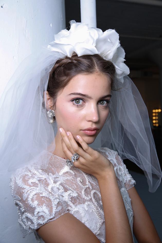 فساتين الزفاف الأجمل من تشكيله هذا الخريف