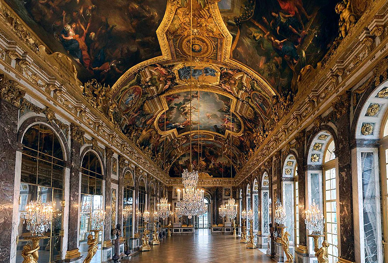 قصر فيرساي ..قصر ولا في الأحلام .. ونهايه من سكنه مقصله