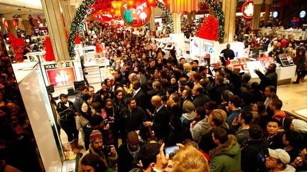 سببها أزمة اقتصادية …وينتظرها الناس سنة كاملة..مالا تعرفونه عن الجمعة السوداء