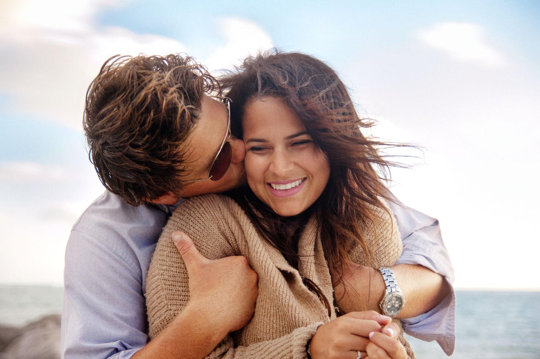 كيف تجعلينه يغرق في حبك ..١٦ خطوة تجعله يعشقك بجنون