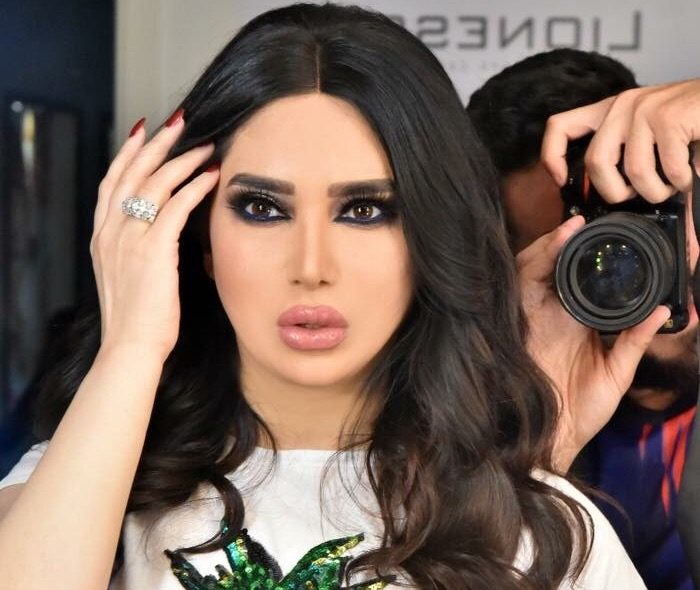 هكذا جعلت الممثلة السورية من نفسها مهزلة وسائل التواصل الإجتماعي