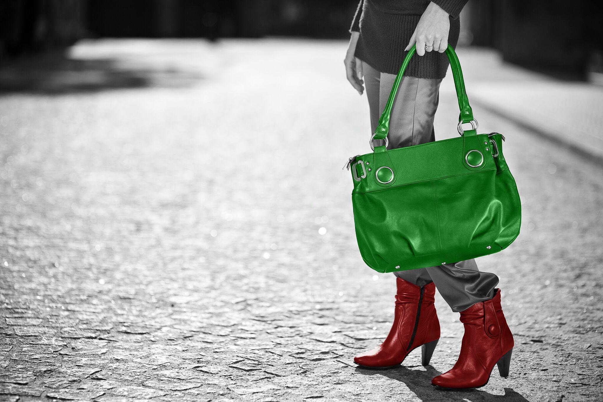 منتجع خاص للعناية بالأحذية والحقائب في دبي