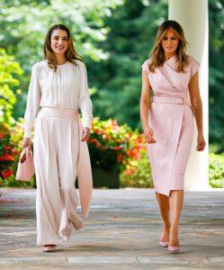 IMG 8004 249x300 الملكة رانيا وميلانيا ترامب في تحدي الأناقة