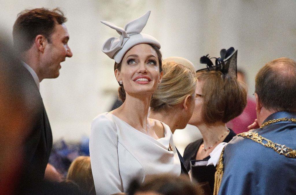 أجمل اطلالات انجلينا جولي بعد اعتكافها الظهور الإجتماعي