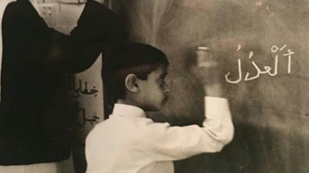 سمو الشيخ محمد بن راشد ينشر صورة نادرة لولي عهد أبو ظبي
