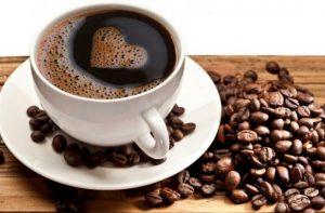 cup of coffee 300x197 أطعمة غذائية طبيعية للعضلات