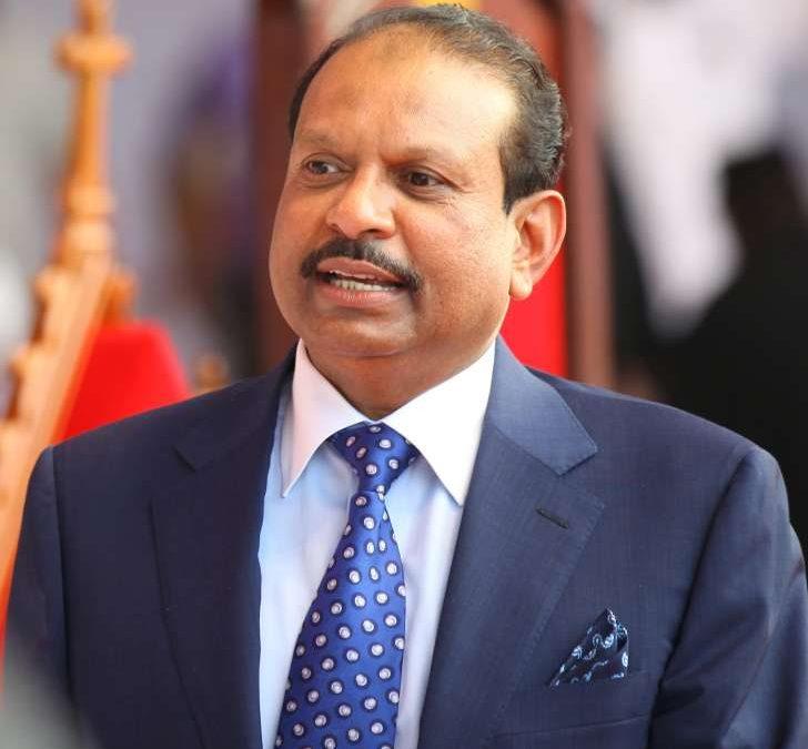 عمر يوسف علي ،،كيف أصبح فقير هندي من أكبر أغنياء العالم؟
