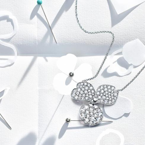 زهور الورق مجموعة رائعة جديدة من تيفاني أند كو