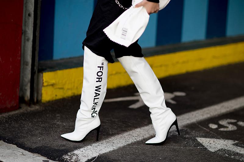 موضة الحذاء الأبيض ،الأكثر تداولا
