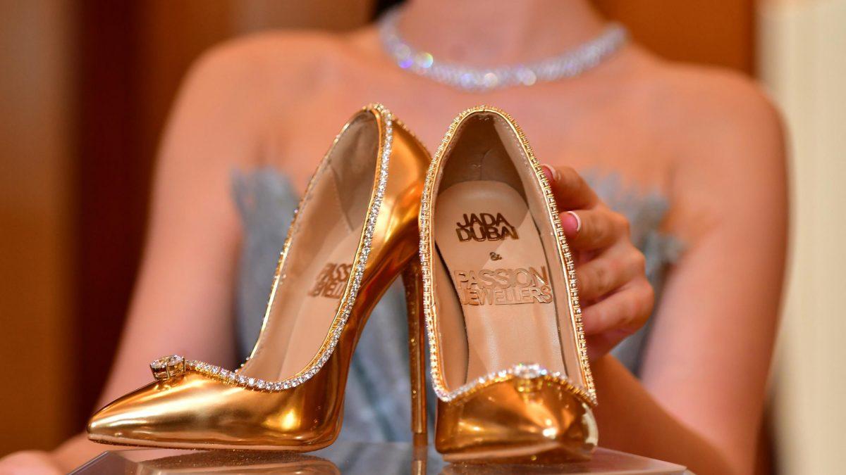 أغلى حذاء في العالم ،ثمنه  17 مليون دولار ، فمن يشتري؟