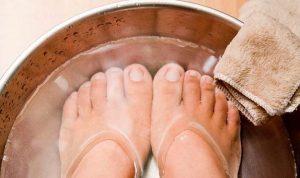 الملح 300x178 نصائح فعالة للتخلص من تورم القدمين