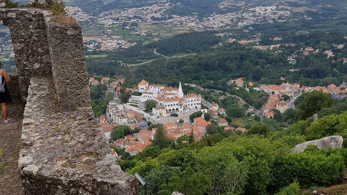 قبل ان يقسوا الشتاء ،سافر الى لسبون في البرتغال!