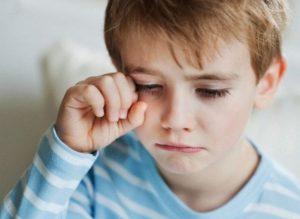 بكاء الطفل أثناء النوم فوق سن العامين 300x219 في تربية أطفالكم احذروا هذه الأشياء الثلاثة