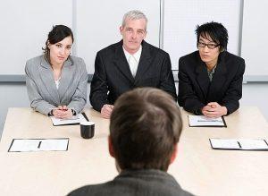 1461422462 415885 793 41591  300x219 أخطاء تؤثر سلباً في مقابلة العمل