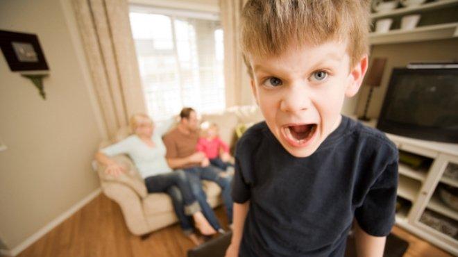هذه العادات لطفلك تدل على شيءٍ من عاداتك