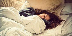 أسباب النوم الكثير 300x150 عادات خاطئة نقوم بها في فصل الشتاء