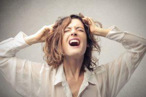 قرارات عند الغضب 300x200 تعلم فن السيطرة على غضبك لتتفادى الوقوع بالخطأ