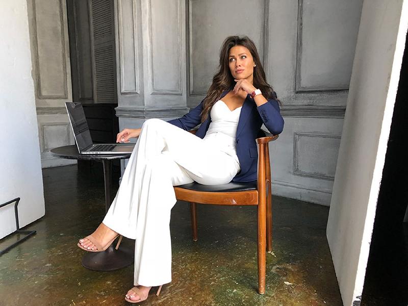 الإعلامية آنا كاستروفا سفيرة برميجياني فلورييه للساعات النسائية
