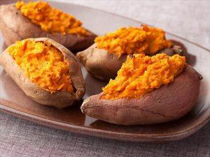 lazezh 6605cf2bd9 300x225 خمسة أسباب تجعلك تحب البطاطا الحلوة