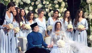 7614321 560556810 300x174 ملك ماليزيا يتنازل عن العرش و خبر حمل زوجته ملكة جمال روسيا
