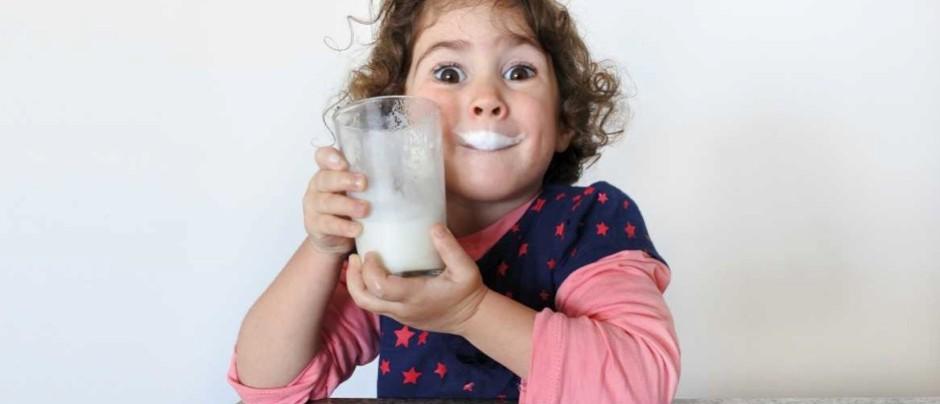 هل يبني الحليب عظام صحية؟