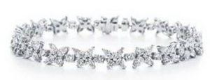 image009 1 300x115 غاغا تختار مئة قيراط من الماس لاطلالتها الأخيرة
