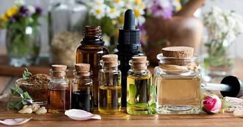 الزيوت العطرية بعض أنواعها وفوائدها للجسم.