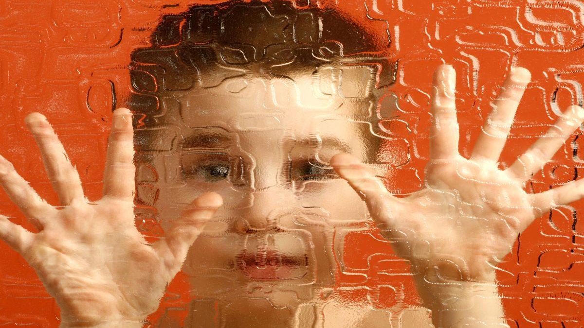علامات مرض التوحد عند الأطفال