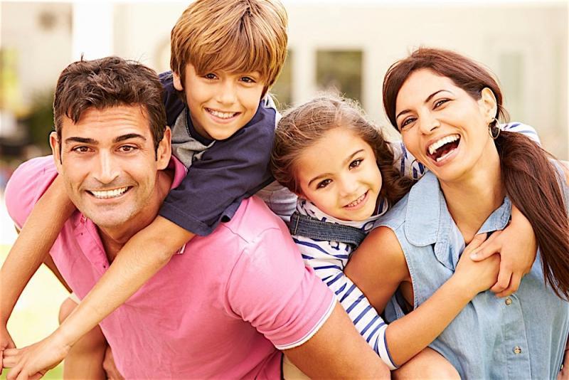 25ae29072d4e8 لماذا العلاقات الأسرية الجيدة مهمة ؟ وما الخطوات لتحقيق ذلك ؟