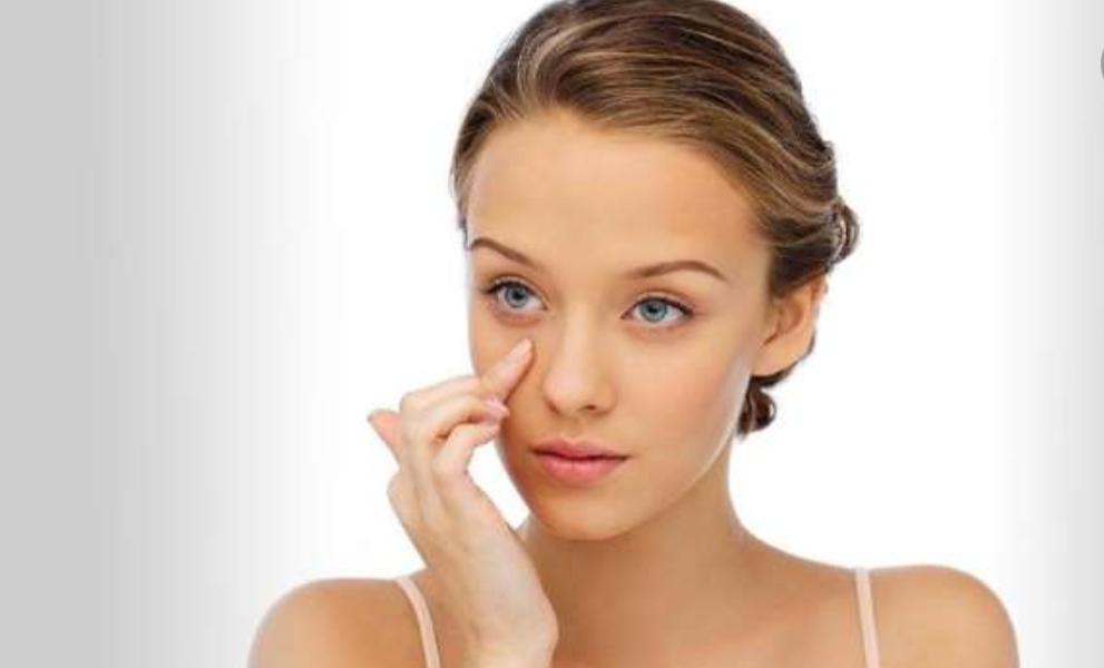 أسباب جفاف البشرة حول العين و طرق علاجها