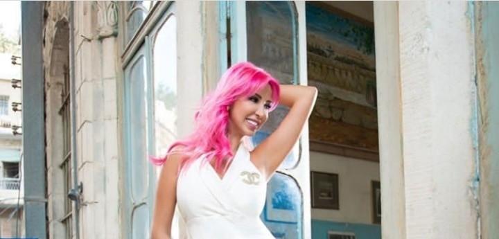 جويل ماردينيان تختار لون شعر زهري بعد البني بساعات