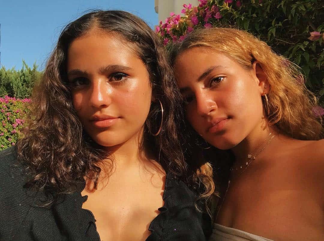 بنات عمرو دياب ينعون جدتهم بطريقة مؤثرة أنا سلوى انا سلوى Anasalwa مشاهير